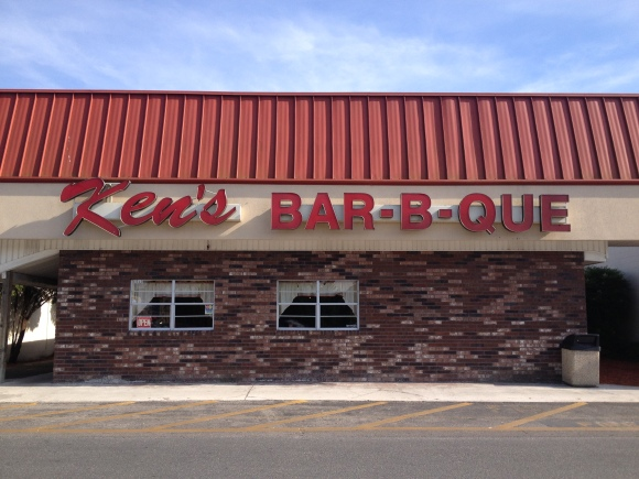 Ken's Bar-B-Que - Live Oak, FL - Photo by Mike Bonfanti