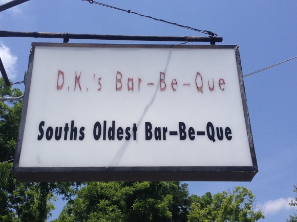 D.K.'s Bar-Be-Que - Waycross, GA - Photo by Mike Bonfanti
