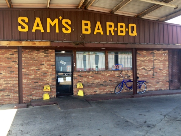 Sam's Bar-B-Q - Valdosta, GA - Photo by Mike Bonfanti