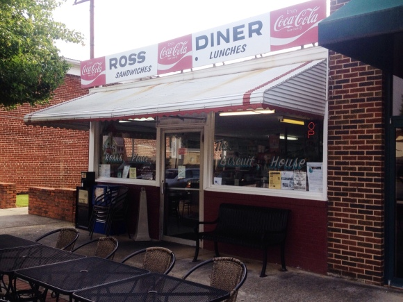 Ross Diner - Cartersville, GA - Photo by Mike Bonfanti