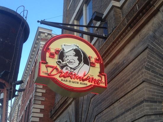 Dreamland Bar-B-Que, Montgomery, AL - Photo by Mike Bonfanti